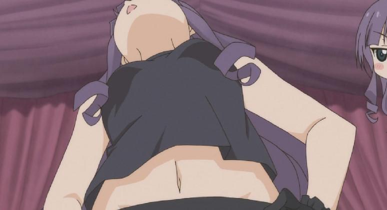 橘紫苑(たちばな しおん)ラクダのポーズ